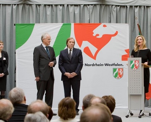 Sabine Stamm Moderatorin Laudatorin für die Landesregierung NRW mit Dr. Jürgen Rüttgers und Günter Netzer