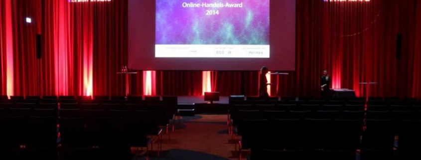 Sabine Stamm Moderatorin Preisverleihung Award Online Marketing