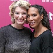 Sabine Stamm Moderatorin Fashionshow CJSchmidt mit Barbara Becker